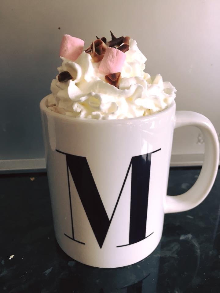 Mugpods Hot Chocolate with cream and marshmellows